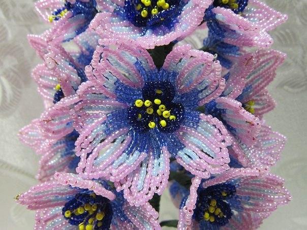 Красивый цветок из бисера: гиацинт 1
