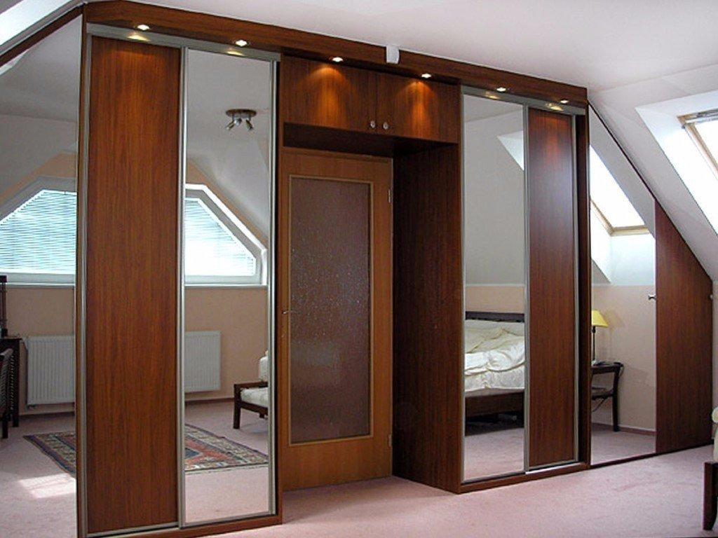 Идеи оборудования шкафа вокруг двери 1