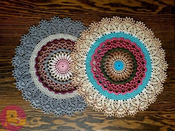 Цветные ажурные салфетки крючком 2