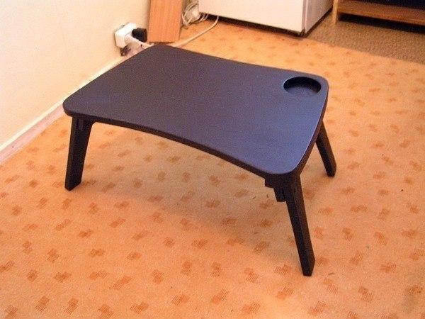 Деревянный столик для ноутбука