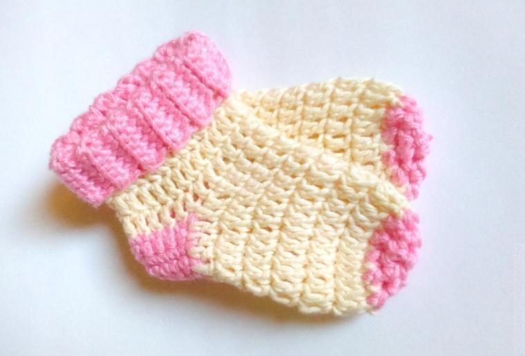 Вяжем носочки детские крючком
