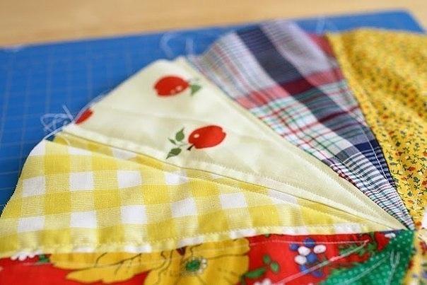 Сшить из остатков ткани подушку для