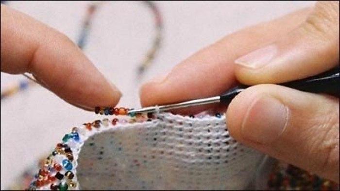 Вязание крючком из нити бисера