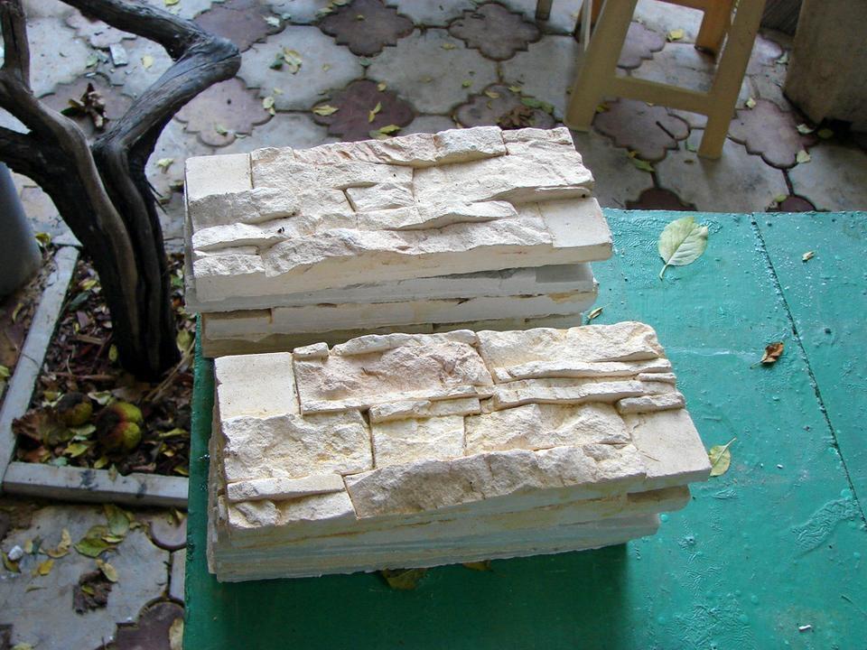 Камни из пенопласта своими руками фото