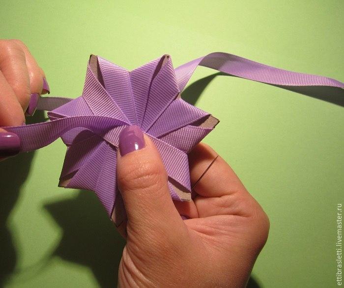 Как сделать простой цветок из ленты атласной