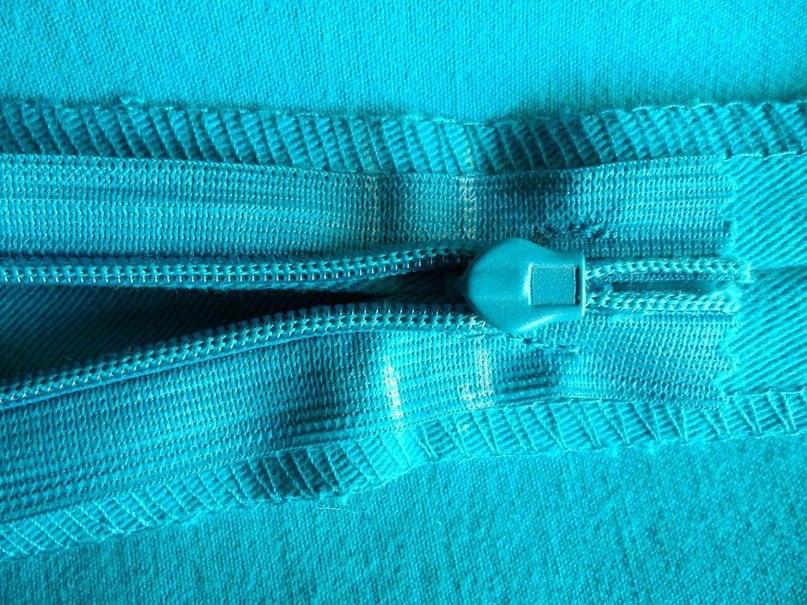 Как в юбку вшить потайную молнию с поясом и без: пошаговая 9