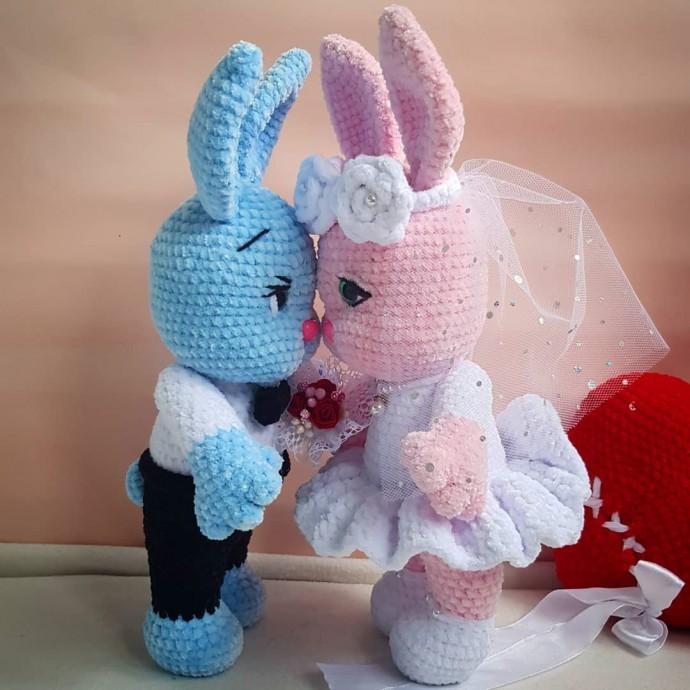 Описание вязания свадебных зайчиков