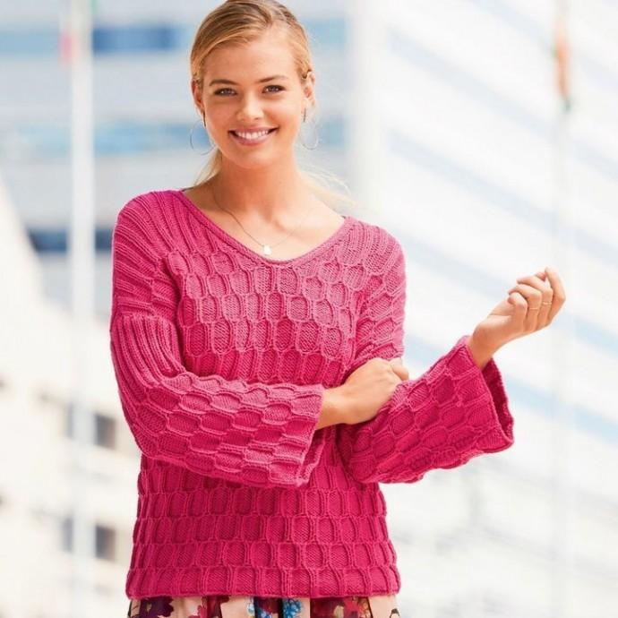 Яркий пуловер
