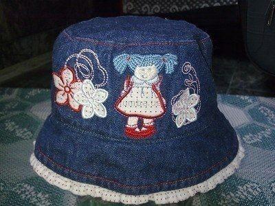 Панамки и шляпки из старых джинсов