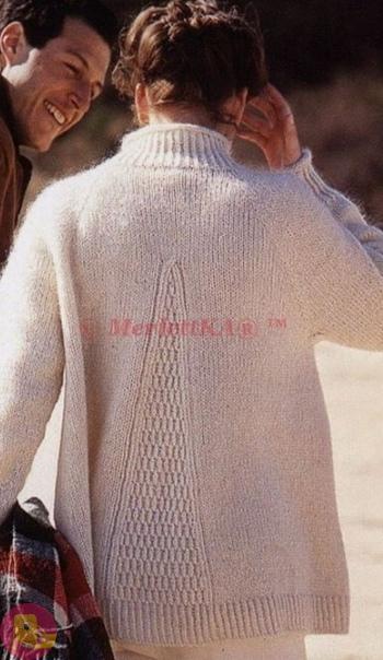 Расклешенный пуловер спицами с рельефным необычным узором 1