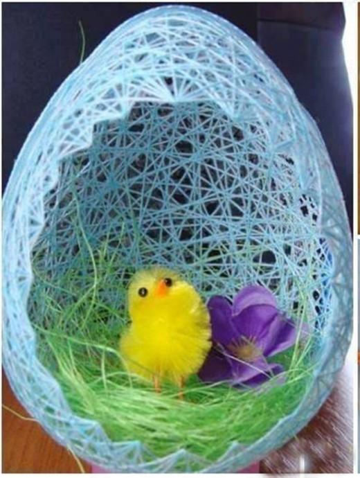 Яйцо из ниток и клея ПВА
