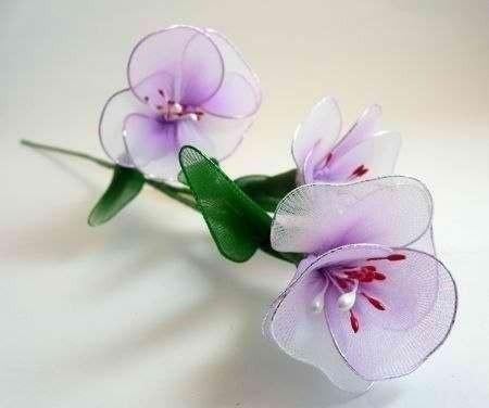 Нежные цветочки из капрона
