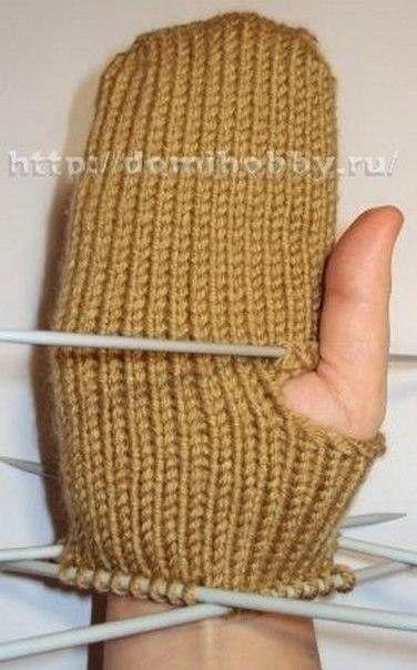 Вязание варежек от кончиков пальцев 7