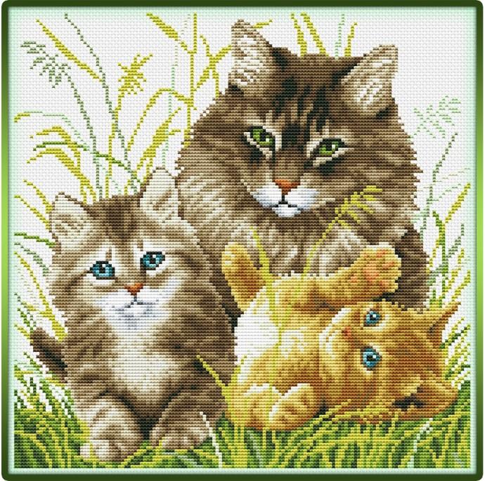 Кошка с котятами: вышивка крестиком