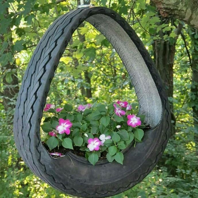 Как использовать старые шины в декоре сада