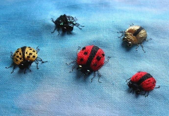 Объемная вышивка жучков и Божьих коровок