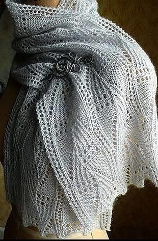 красивый палантин связан спицами схема вязания палантина спицами